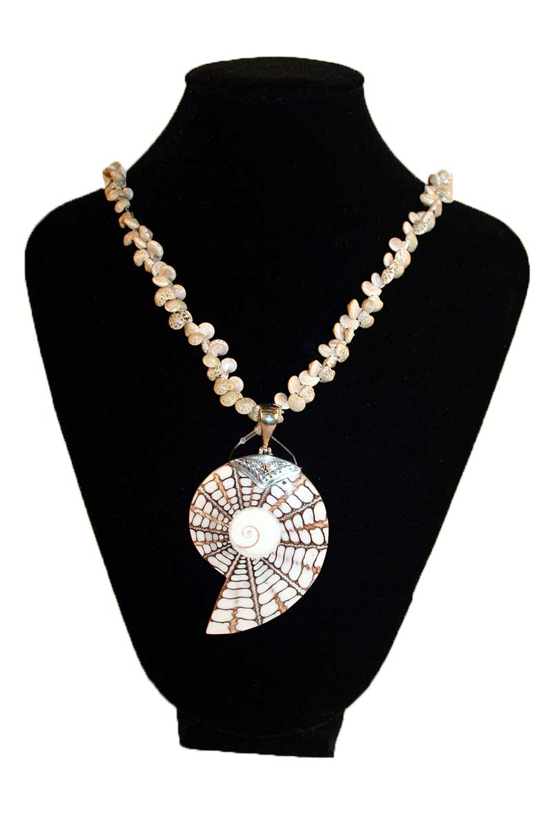 Shell Pendant With Shell Necklace
