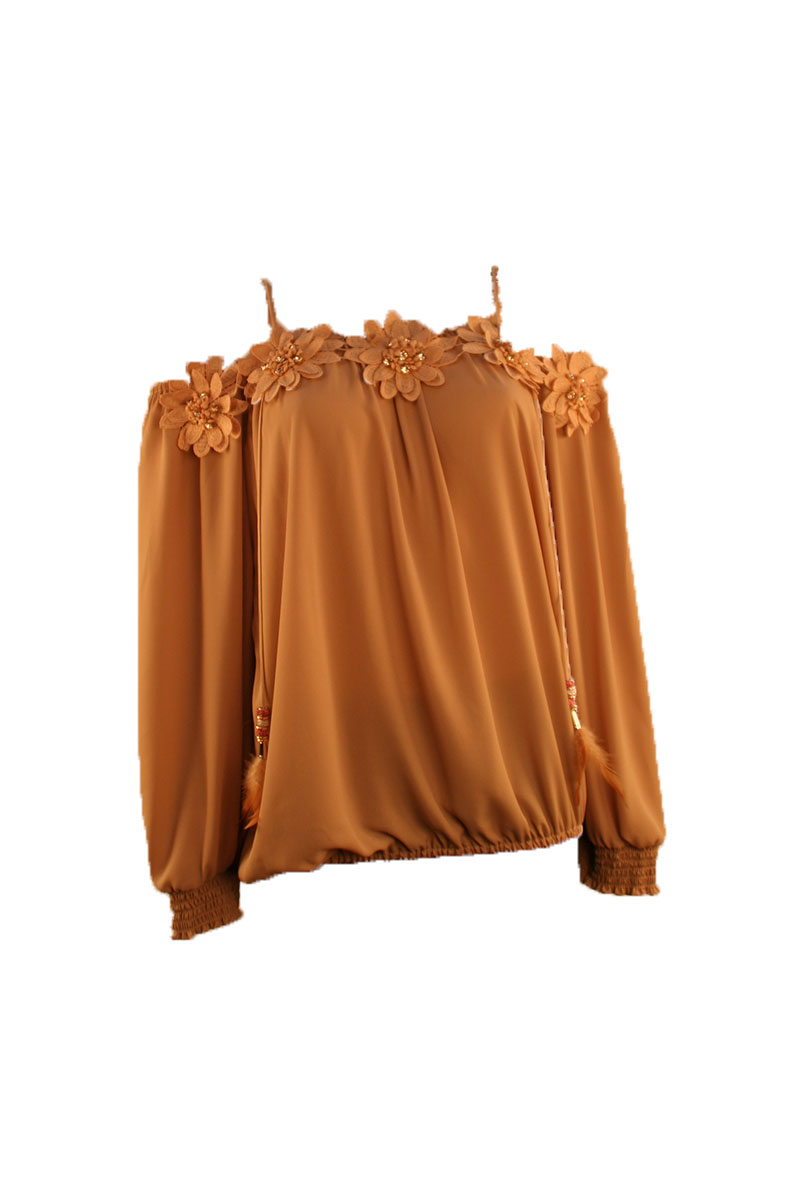 L/S Off Shoulder Top W/Flowers in Beige