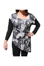Long Sleeve Top With Leaves in Black