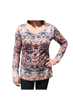 Long Sleeve Print Top With Scoop Neck in Multi